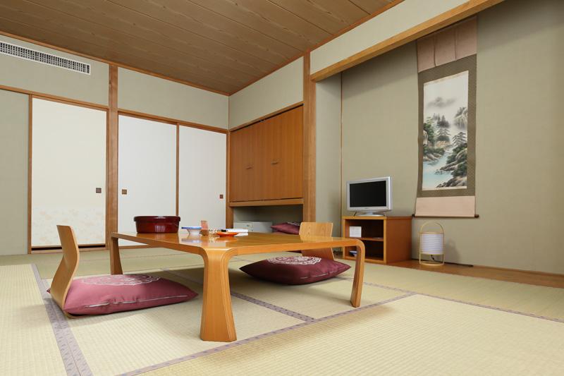 新館 和室【12畳】1  次の写真へ→