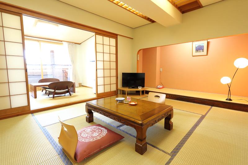 露天風呂付き客室和室1 次の写真へ→