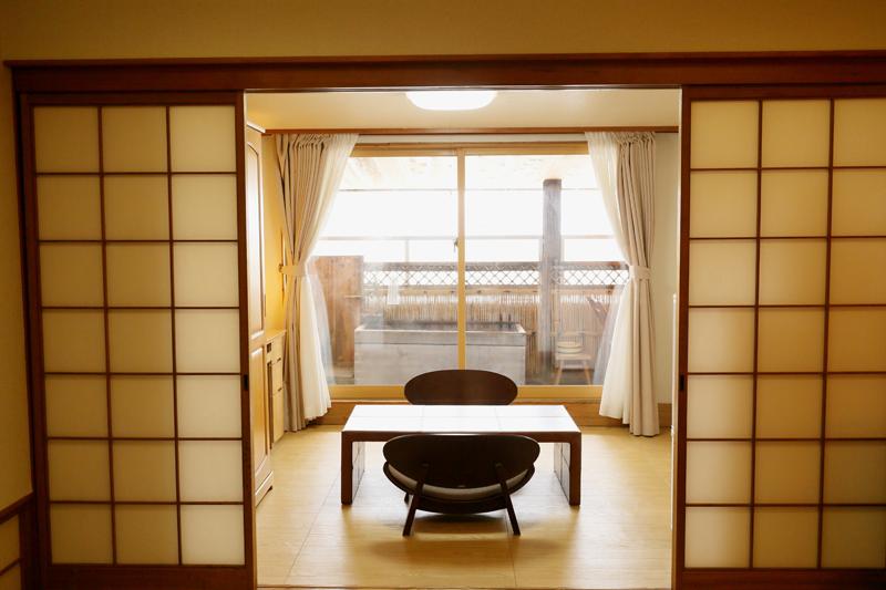 露天風呂付き客室和室2 次の写真へ→